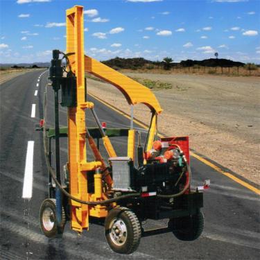 宜迅HWH260装载护栏打桩一体机