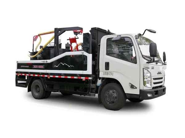 易山重工ESN5071TYH灌缝机械(江铃汽车底盘车载式灌缝机,集开槽,清缝,填缝于一体的设备)