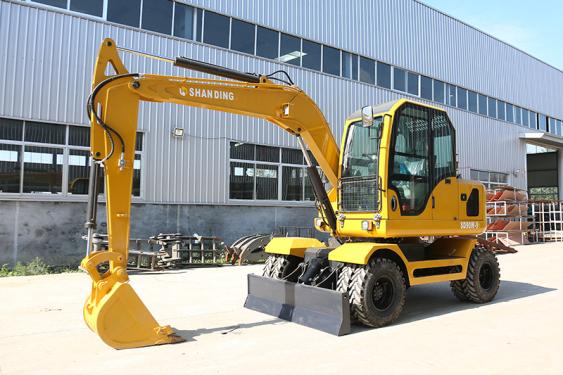 山鼎国三排放SD90W-9T轮式挖掘机外观