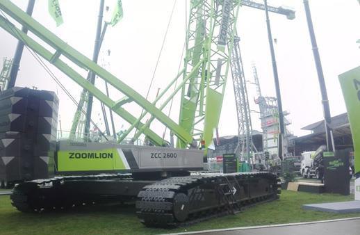 中联重科ZCC2600CR(4.0)履带起重机