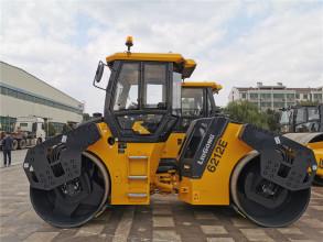 柳工CLG6212E雙鋼輪壓路機高清圖 - 外觀