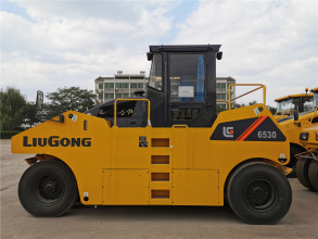 柳工CLG6530轮胎压路机高清图 - 外观