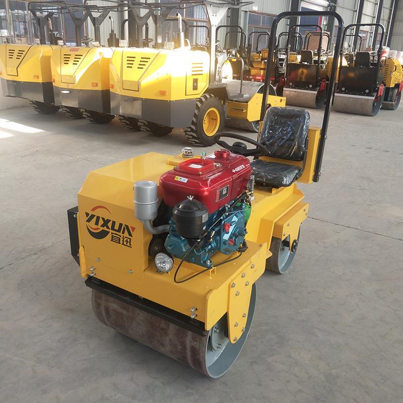 宜迅YX-X1000C小座驾压路机 常柴水冷发动机