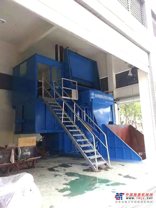 程力垂直式压缩垃圾站高清图 - 外观