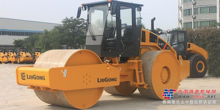 柳工CLG6327静碾三钢轮压路机高清图 - 外观