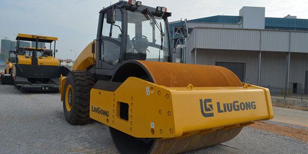 柳工CLG6626E全液压单驱单钢轮压路机高清图 - 外观