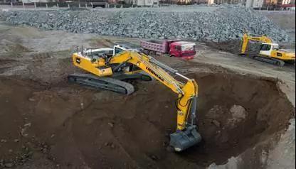 利勃海尔R924液压挖掘机