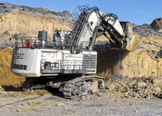 利勃海尔R9250矿用液压挖掘机