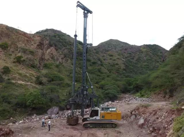 利勃海尔LB系列旋挖钻机高清图 - 外观