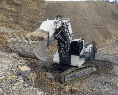 利勃海尔R9150挖掘机