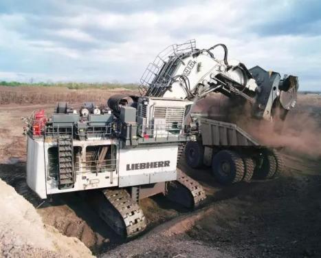 利勃海尔R966B挖掘机
