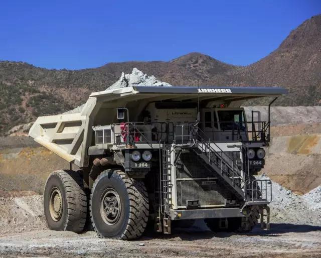 利勃海尔T 264矿用卡车高清图 - 外观
