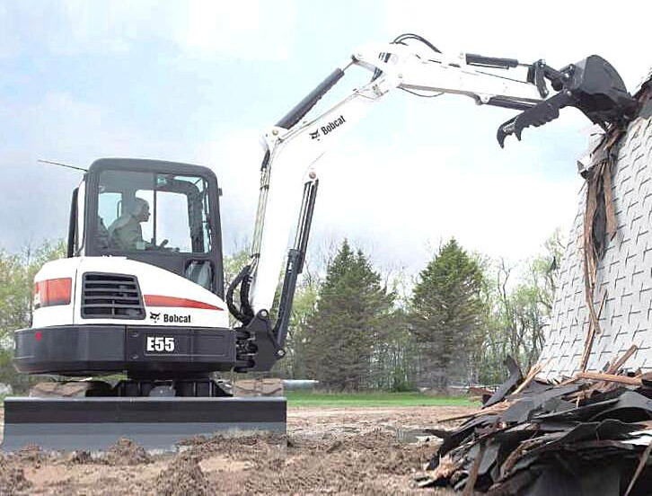 山猫E55小型挖掘机