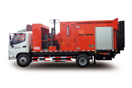 英达科技TM220沥青路面综合养护车