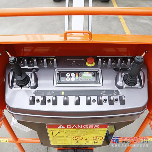 鼎力GTBZ16AE自行走曲臂式高空作业平台(电池款)高清图 - 外观