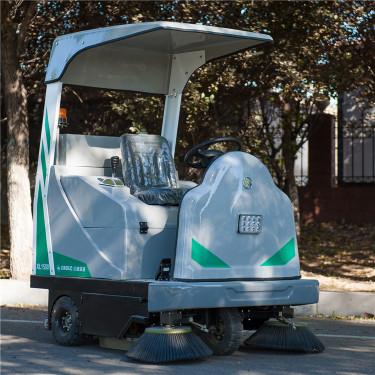 宜迅XL-1500电动扫地车