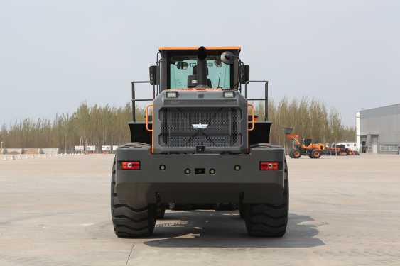 英轩重工YX667H装载机高清图 - 外观
