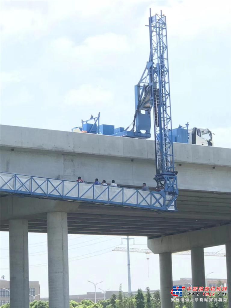 宇通重工YTZ5261JQJ12D518HZ桥梁检测车高清图 - 外观