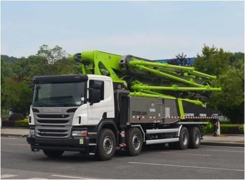 中联重科ZLJ5440THBSE四桥56米泵车