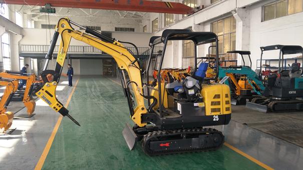 宜迅YX-25微型挖掘机