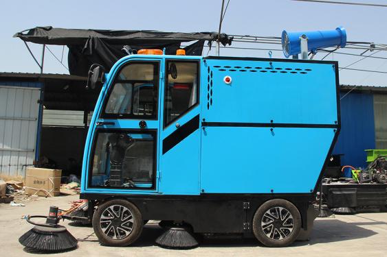 路霸LB-700电动扫路机 座驾式扫地机
