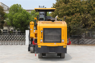 柳工CLG5100-2四驱铣刨机高清图 - 外观