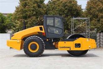 柳工CLG6126E机械振动单钢轮压路机高清图 - 外观