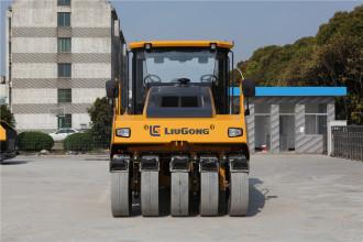 柳工CLG6530E轮胎压路机高清图 - 外观
