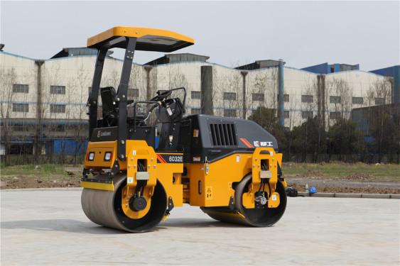 柳工CLG6032E轻型压路机(双驱单振)高清图 - 外观