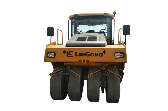 柳工6526E(9轮)轮胎压路机