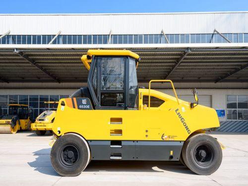 柳工6530E(9轮)轮胎压路机高清图 - 外观