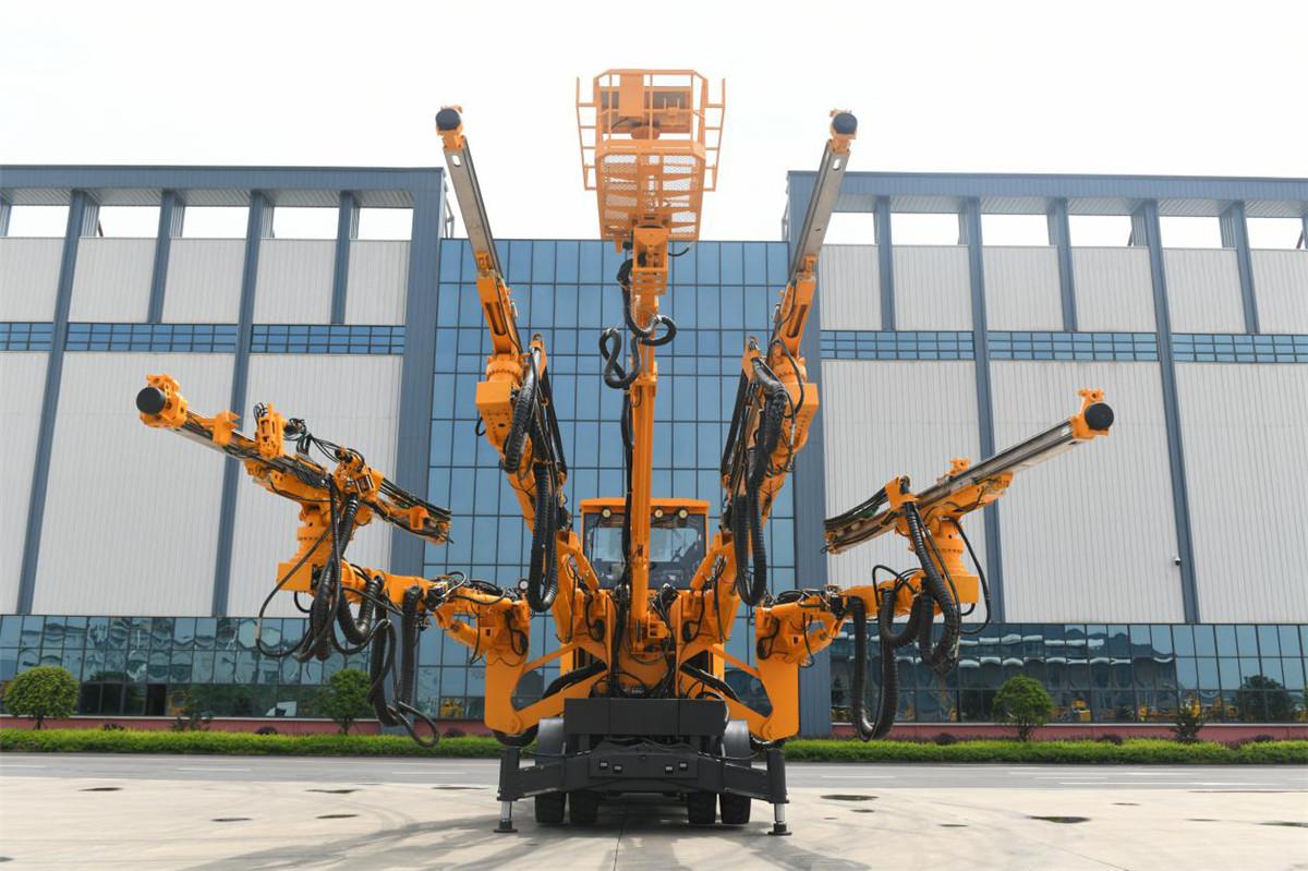 铁建重工ZY82两臂8米级半智能隧道凿岩台车高清图 - 外观