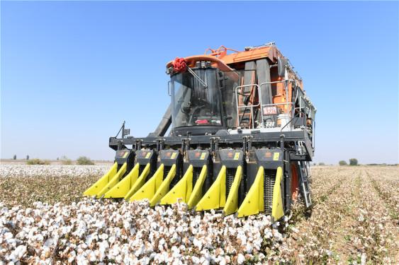 铁建重工4MZ-6采棉机