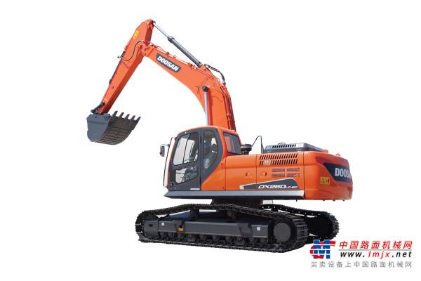 斗山DX260LC-9C挖掘機