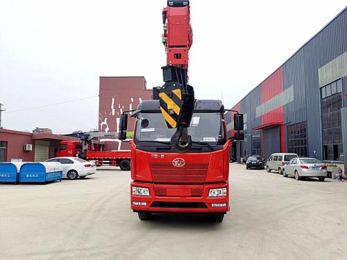 楚胜解放单桥8吨随车吊高清图 - 外观