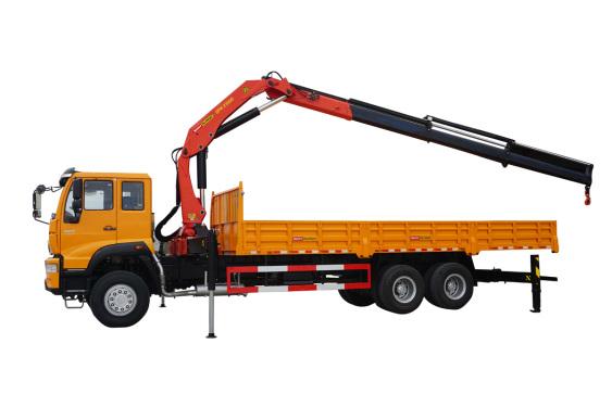 三一重工SPK2350023吨米折臂式随车起重机