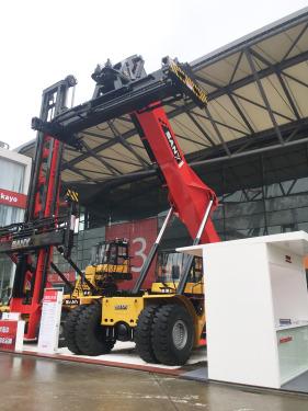 三一重工SRSC45E正面吊高清图 - 2020宝马展实拍