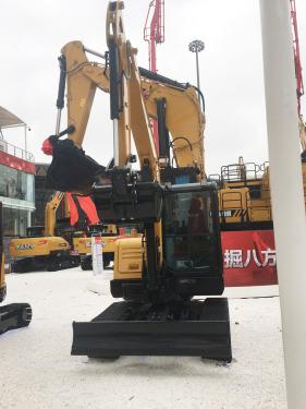 三一重工SY60C小型液压挖掘机高清图 - 2020宝马展实拍