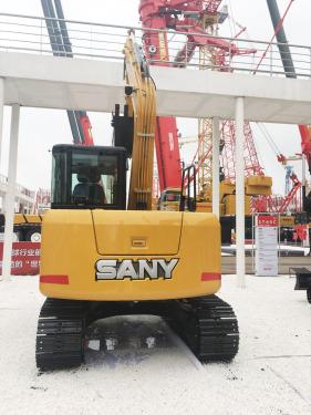 三一重工SY75C小型挖掘机高清图 - 2020宝马展实拍