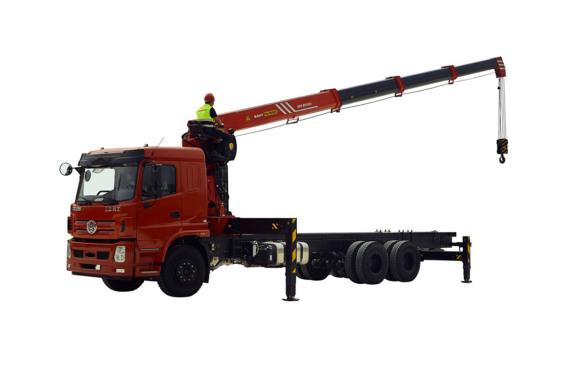 三一重工SPS30000直臂式随车起重机