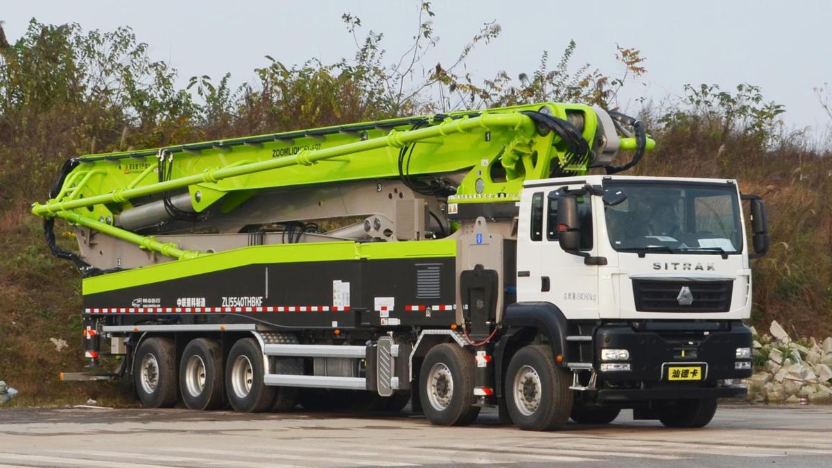 中联重科ZLJ5540THBKF 66X-6RZ五桥66M重汽汕德卡国六泵车高清图 - 外观