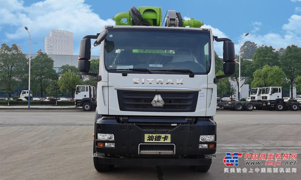 中聯重科四橋56M重汽汕德卡國五再制造泵車高清圖 - 外觀