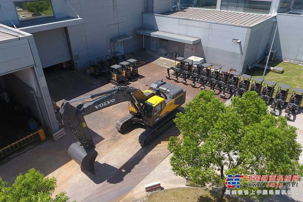 沃尔沃EC480荣耀系列 全新挖掘机高清图 - 外观