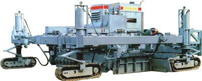 郴筑HTH5000型滑模式水泥混凝土摊铺机
