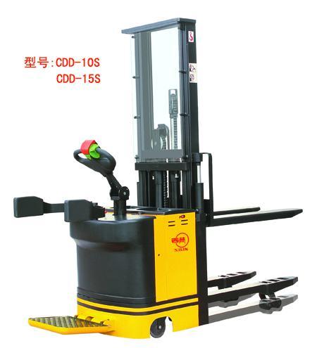 西林CDD-10S/15S电动插腿式堆垛车高清图 - 外观