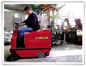 扫地王TIGRA650E小型扫路机