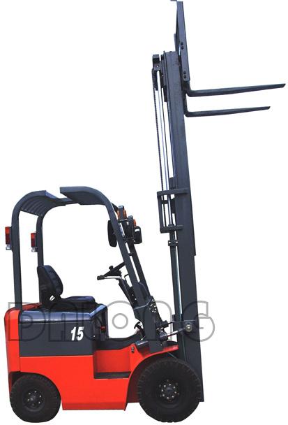 梅狮CPD15QA型四支点平衡重座式全电动叉车高清图 - 外观