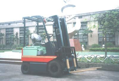 力尔美CPDB0.5-5吨防爆蓄电池叉车高清图 - 外观